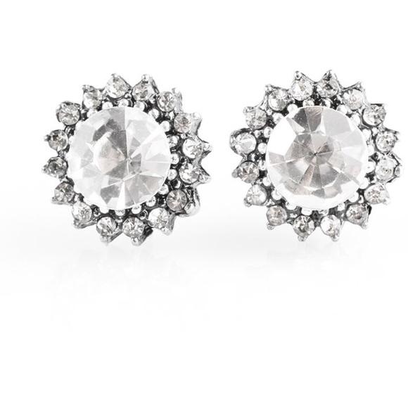 J78 White rhinestones post earrings
